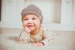 宝宝几个月长乳牙 宝宝长牙晚的原因