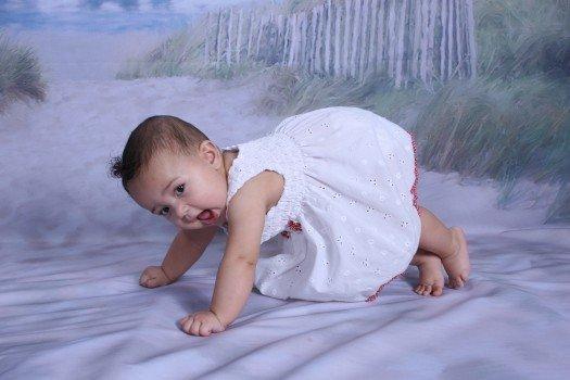 宝宝受凉吐奶怎么办 宝宝吐奶的原因有什么