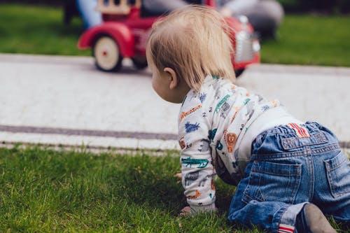 婴儿抚触的好处 抚触婴儿的注意事项