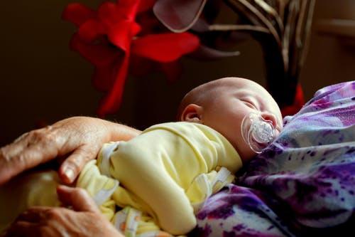 婴儿身高体重标准表 婴儿发育不好怎么办