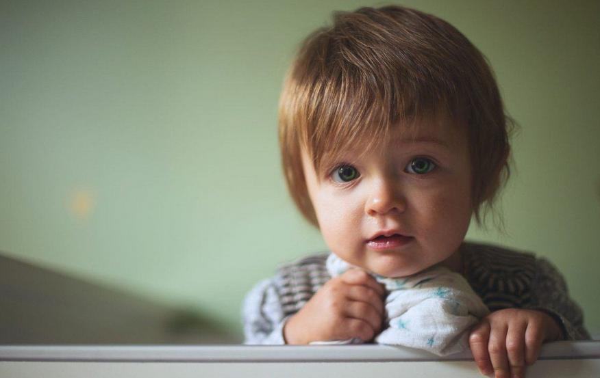 婴儿吐奶严重怎么办 婴儿吐奶是什么原因